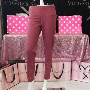 NWT!  VICTORIA SPORT KNOCKOUT TIGHT